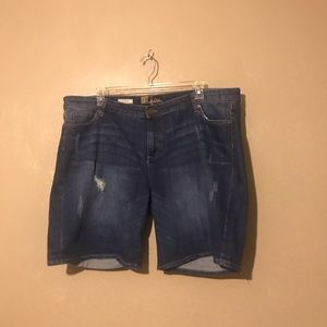 KUT from the Kloth jean shorts size 22W, pockets